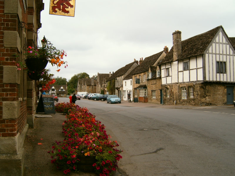Lacock Tours by Stonehenge Travels,London